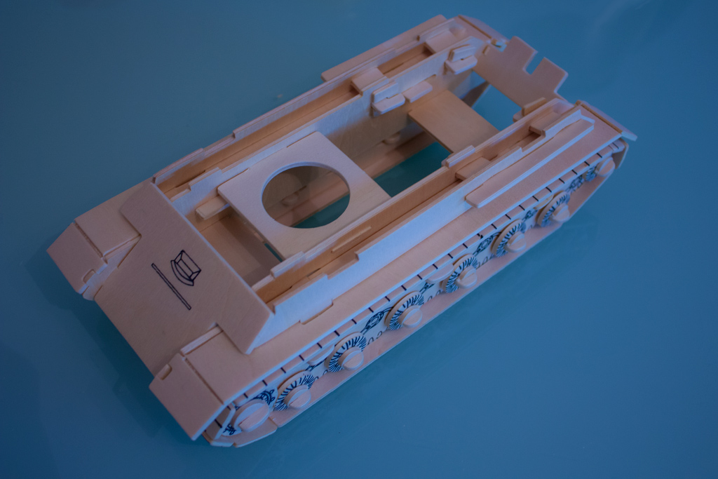 сборка платформы танка ИС 2