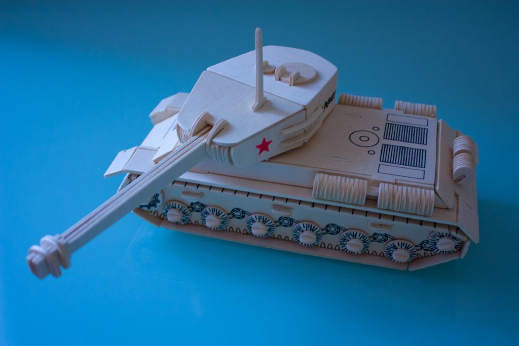 Модель танка ИС 2